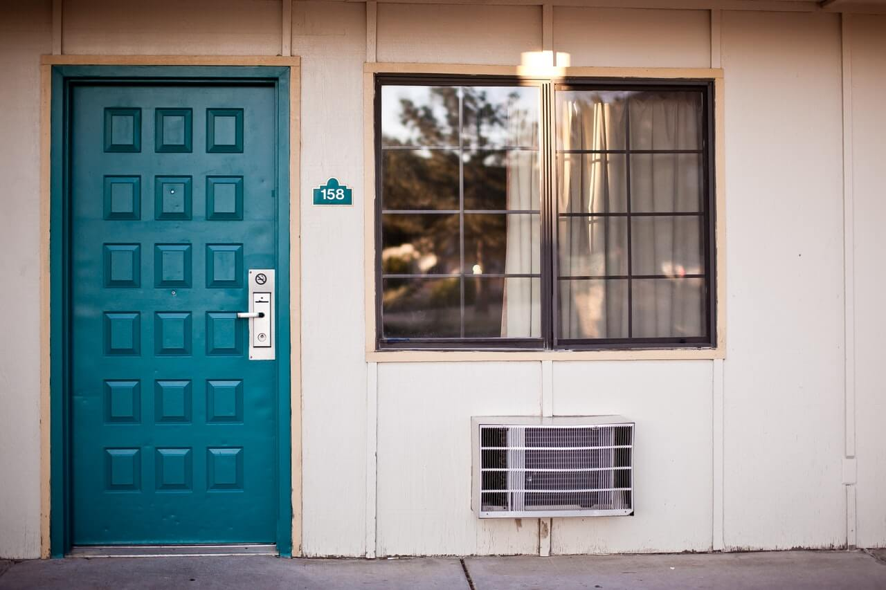 Tipy, ktoré vám uľahčia výber bezpečnostných dverí
