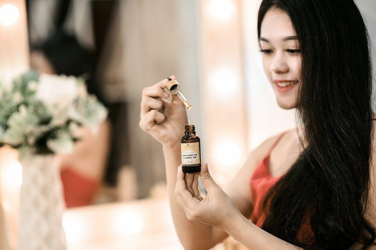 3 tipy na prírodné oleje vhodné na vlasy